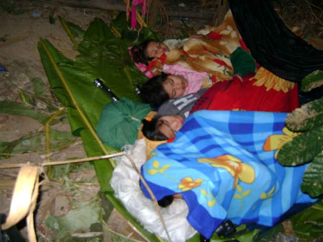 pictures from karen state  a mother giving birth in hiding