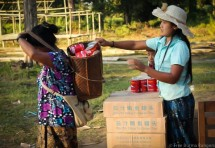 Cans of fish were passed out to IDPs in Nam Lim Pa.
