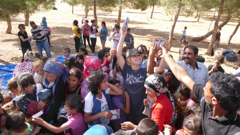 Suu and distribution for orphans and families in Kobane