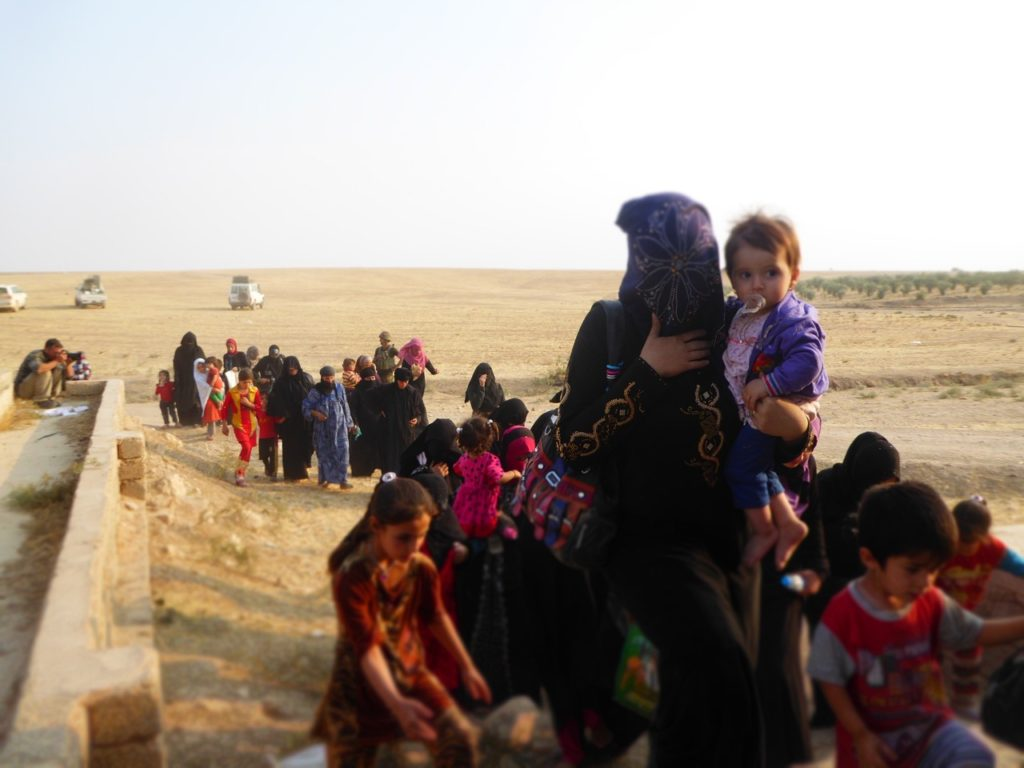 Families from Omar Qamshi escape ISIS