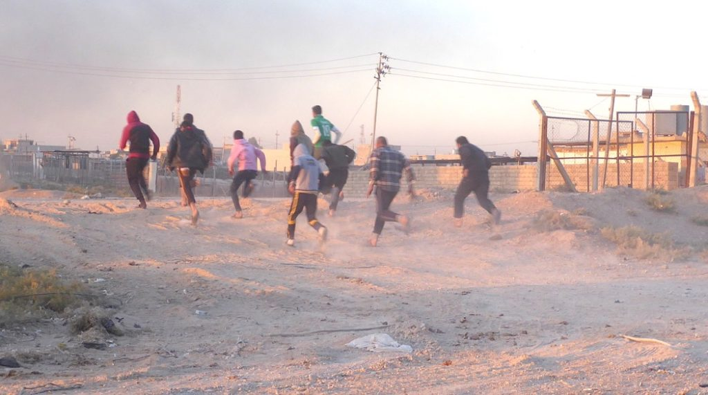 People running from ISIS snipers. Photo: FBR.