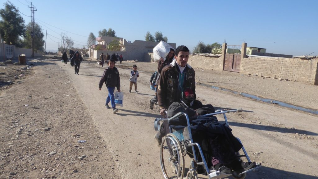 Families fleeing ISIS in Mosul. Photo: FBR.