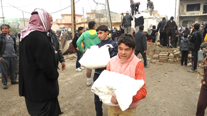 Then the food moves on to 4 Mosul civilian trucks and finally to the distribution house in Shayma neighborhood.