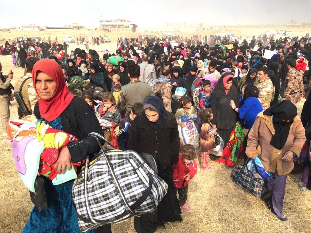 Iraqi families flee east Mosul to Kurdistan