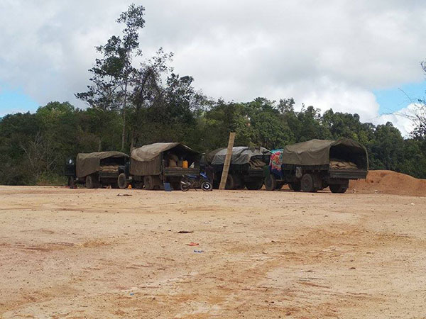 Burma Army transport trucks active in Karen State, Jan. 2019. Click the photo for last month's report on military activities in Karen State.