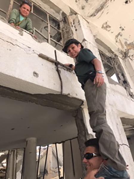 Putting up a cross in Raqqa