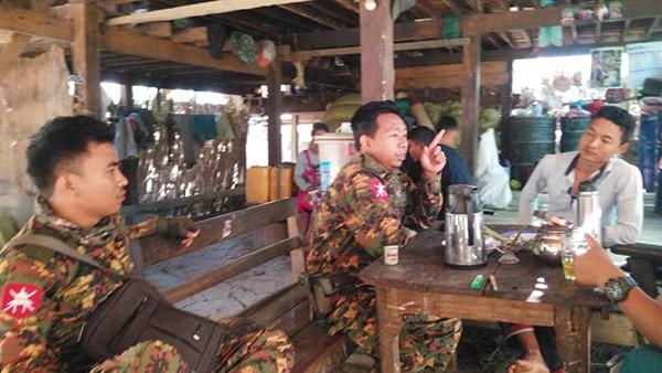 Burma Army IB 124 Major Tha Win Htun and troop commander Wein Ya Htun