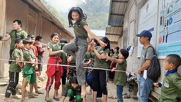 Kachin teens play a leadership game during a Jr. Ranger Program, a part of the Good Life Club.