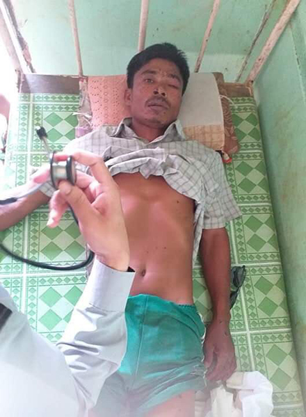 A man injured by a Burm Army airstrike in Chin State.