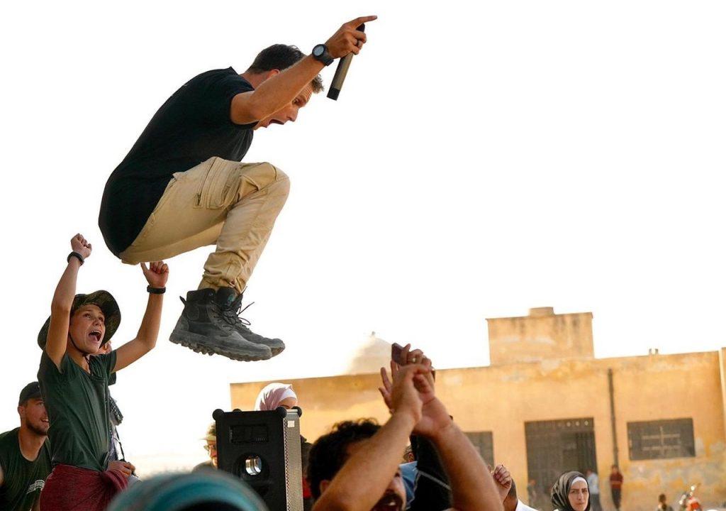 Praising God at Dadat front line school