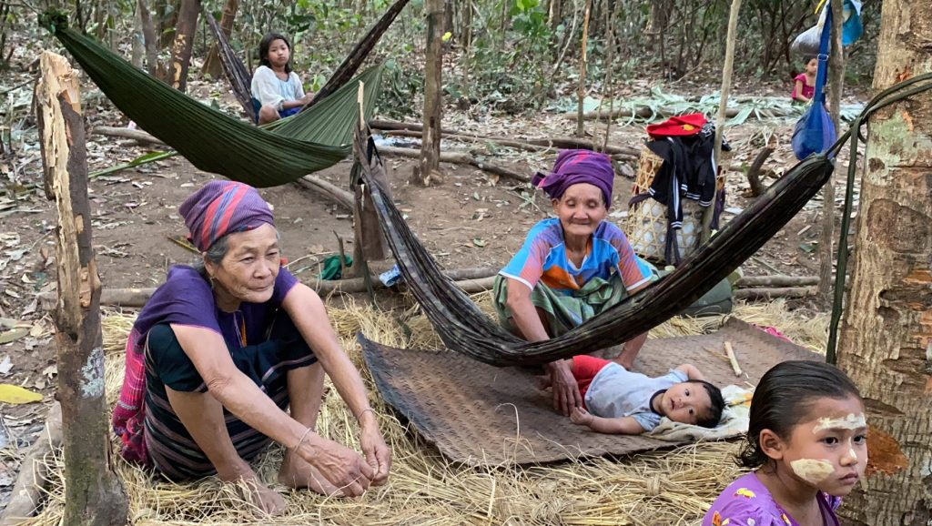 Families who fled their homes and are now in hiding from the Burma Army 1