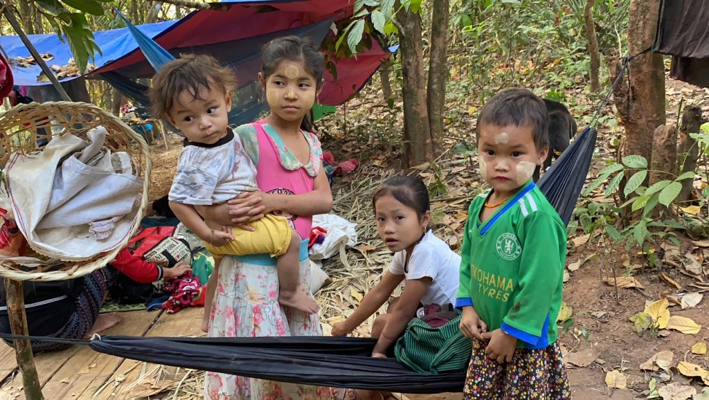 Families who fled their homes and are now in hiding from the Burma Army 4