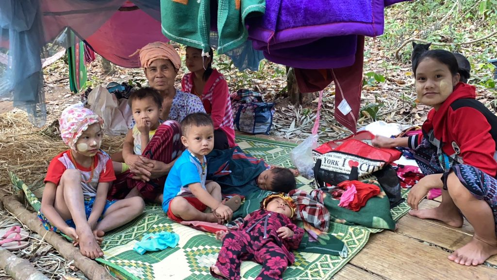 Families who fled their homes and are now in hiding from the Burma Army 5