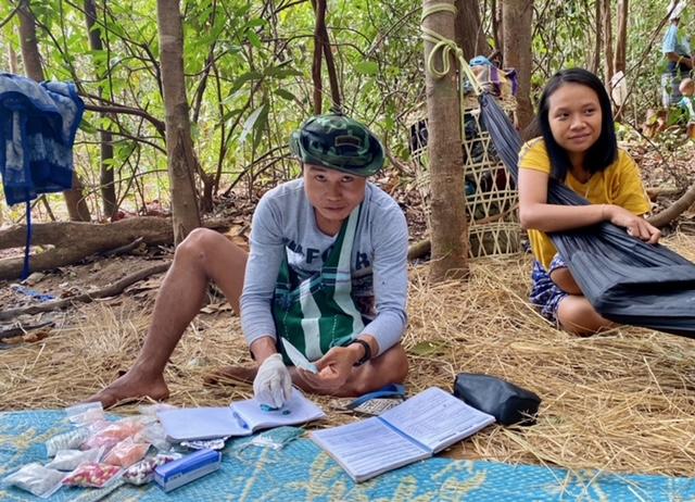 FBR medic treats IDPs in the jungle