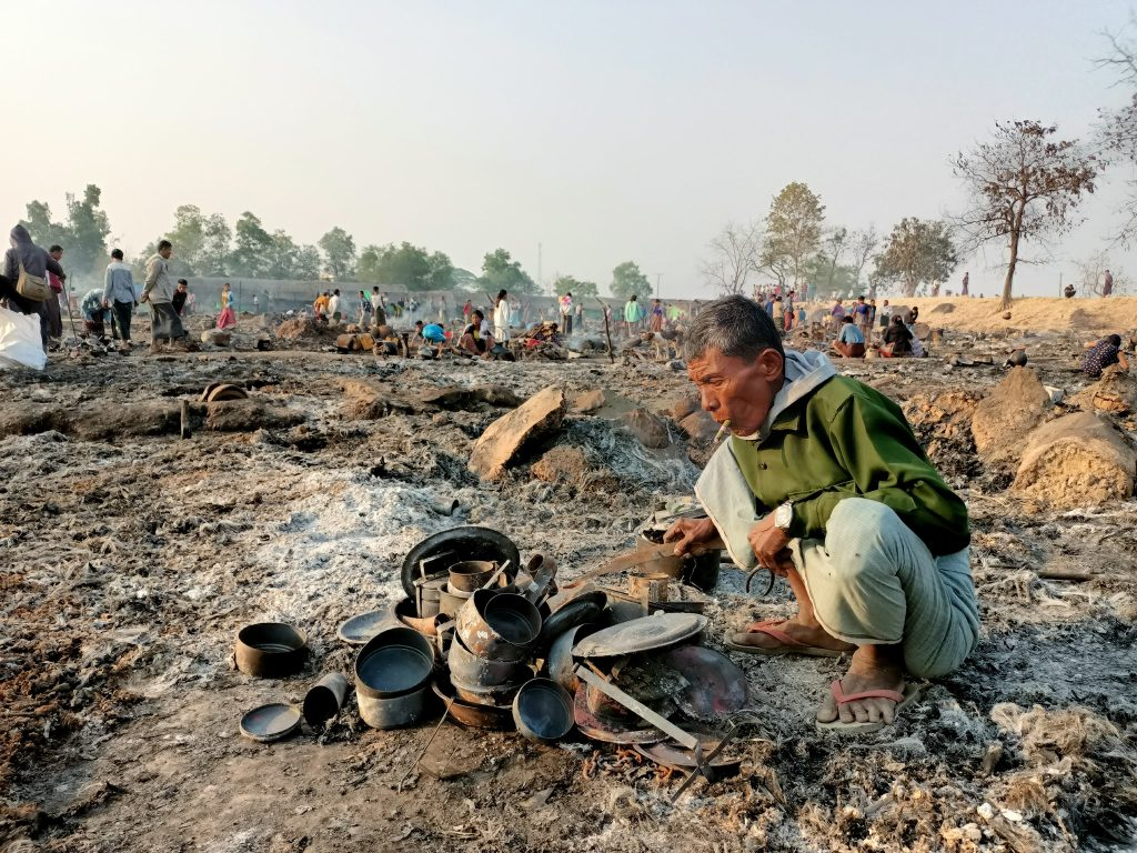 Tein Nyo IDP camp burnt 01