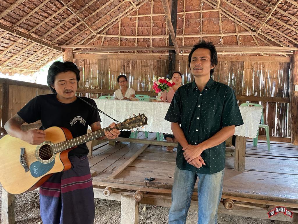 Ranger accompanies Easter morning song