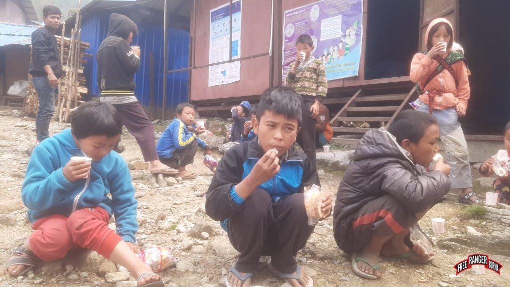 kids_with_tea